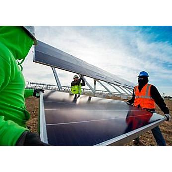 Солнечные батареи Cat PVC395 MP в пакете Cat Hybrid Energy Solutions от Caterpillar